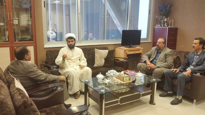 مدیر عامل ستاد دیه خوزستان، با مدیر عامل بانک ملت استان دیدار و راهکارهای توسعه خدمات به زندانیان جرایم غیر عمد را بررسی کرد