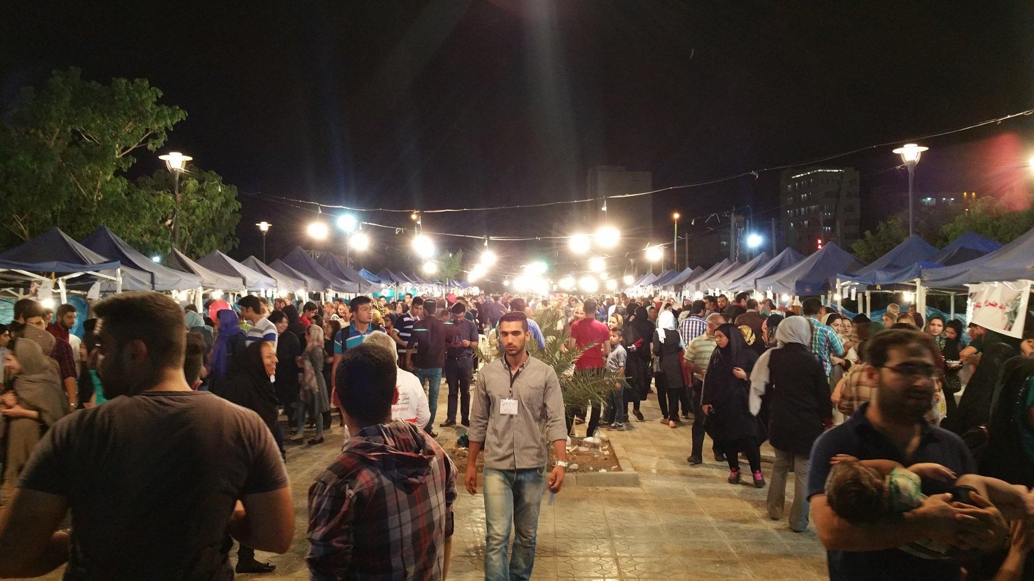 استقبال کم نظیر مردم خوزستان از جشنواره غذا برای کمک به زندانیان معسر غیر عمد و بیماران صعب العلاج