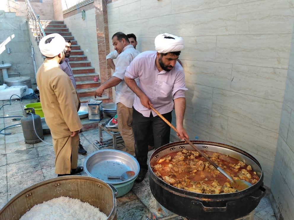 پخت روزانه ۱۰۰۰ پرس غذا در ستاد دیه استان خوزستان